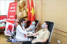 Funcionarios de organización partidista se suman a la campaña de donación de sangre