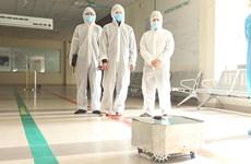 Vietnam fabrica robot de desinfección en áreas de cuarentena