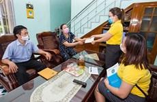 Jubilados en Hanoi reciben pago domiciliado de pensión