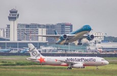 Recomiendan a ciudadanos vietnamitas en Canadá evitar vuelos sin licencia