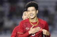 Otros dos futbolistas vietnamitas participan en campaña de AFC contra el COVID-19