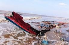 Rescatan en Vietnam a marineros indonesios tras accidente