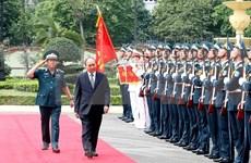 Visita premier de Vietnam a Fuerza de Defensa Aérea-Antiaérea
