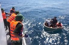 Rescata Vietnam a pescador filipino accidentado en el mar