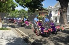 Miles de turistas en Vietnam llegaron a Thua Thien Hue durante días feriados