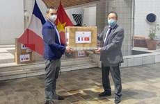 Vietnam dona mascarillas sanitarillas en Francia