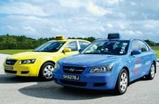 Singapur: Instalan protector plástico en taxis a evitar contagio de COVID -19