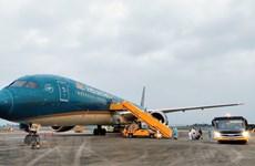 Vietnam considera aflojar políticas de inmigración y reanudar vuelos