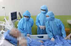 """""""Increíble"""", evolución de salud del paciente más grave del COVID-19 en Vietnam"""