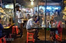Tailandia considera levantar el toque de queda nocturno