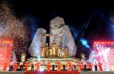Inauguran monumento del Presidente Ho Chi Minh con el pueblo de Quang Binh