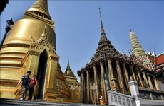 Tailandia e Indonesia planean recibir turistas extranjeros