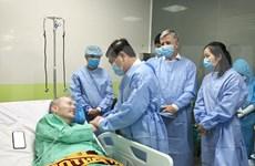 Con increíble evolución de salud, el paciente más grave del COVID-19 ya no necesita trasplante pulmonar