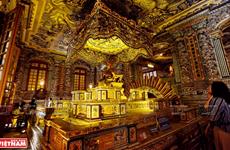 Tumba de Khai Dinh, obra maestra del mosaico de Hue