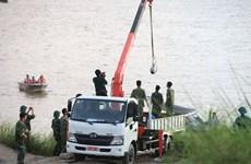 Evacuan bomba remanente de guerra cerca del histórico puente de Long Bien