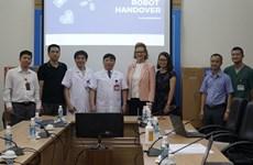 Obsequia PNUD robots a personal médico en primera fila de lucha antiepidémica