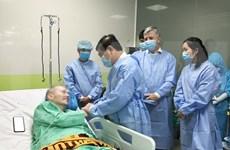 Repatriarán a piloto británico, paciente más grave de COVID-19 en Vietnam tras recuperarse