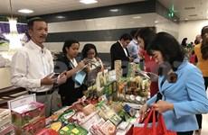 Casi 76 por ciento de los consumidores vietnamitas prefieren productos nacionales