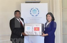 Obsequia Vietnam mascarillas sanitarias a la Unión Interparlamentaria