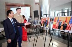 Exposición fotográfica celebra 25 años de relaciones diplomáticas Vietnam - Estados Unidos