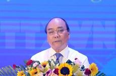 Premier vietnamita insta a perfeccionar políticas para jóvenes voluntarios de guerra
