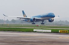 Prevé Vietnam reanudar vuelos internacionales en agosto