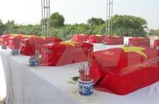 Exhuman restos de soldados vietnamitas caídos en Camboya