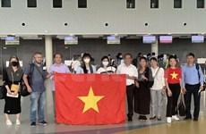 Regresan a casa ciudadanos vietnamitas varados en África y Europa por coronavirus