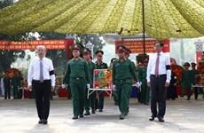 Entierran restos de soldados voluntarios vietnamitas caídos en Camboya