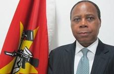 Vietnam entrega Medalla de Amistad al embajador mozambiqueño