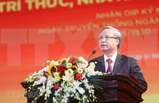 Promueve Vietnam papel de intelectuales, científicos y artistas en desarrollo nacional