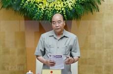 Premier vietnamita aboga el pueblo por intensificar lucha contra COVID-19