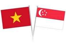 Dirigentes de Vietnam felicita a Singapur por aniversario 55 de su Día Nacional