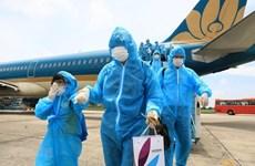 Hanoi recibe a cientos de turistas varados en Da Nang