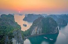 Bahía de Ha Long entre mejores lugares para disfrutar del amanecer en el mundo