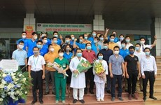 Completan cuarentena miembros del vuelo que trajo a casa a 219 vietnamitas desde Guinea Ecuatorial
