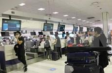 Traen de vuelta al país a más de 340 vietnamitas de Australia