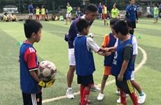 Alianza de clubes de fútbol europeos impulsa programa de formación en Vietnam