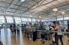 Repatrían a vietnamitas varados en Oriente Medio y África