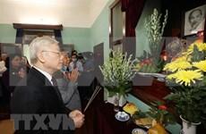 Máximo dirigente partidista de Vietnam rinde tributo al Presidente Ho Chi Minh