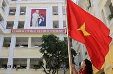 Dirigente vietnamita felicita a estudiantes por nuevo año escolar
