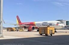 Repatrían a 240 ciudadanos vietnamitas desde Singapur