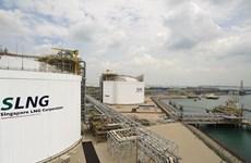 Más de 50 empresas instalan centro de servicios de GNL en Singapur