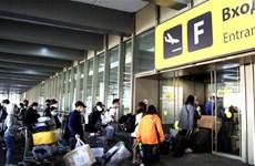 Más de 340 ciudadanos vietnamitas regresan al país de origen desde Rusia