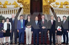 Primer ministro de Vietnam promete facilitar la inversión de empresas europeas