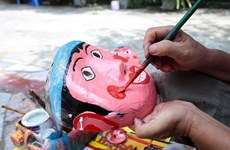 Talleres con artesanos de juguetes tradicionales, entre actividades de Fiesta de Medio Otoño en Vietnam