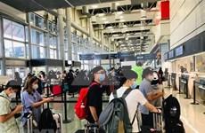 Regresan a casa más de 340 ciudadanos vietnamitas varados en Estados Unidos