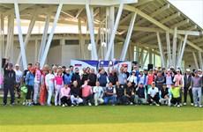 Efectúan torneo de golf con motivo de 70 años de establecimiento de los nexos diplomáticos Vietnam-Rusia