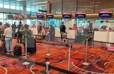 Repatrían a más de 230 ciudadanos vietnamitas en Singapur