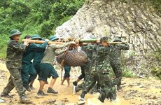 Desactivan en Vietnam dos bombas de 680 kilogramos sin detonar de la guerra pasada
